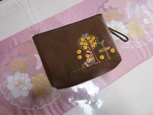 正江ちゃんから貰った刺しゅうの布で作ったポーチ.JPG