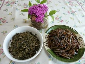 蕗の佃煮と蕗の葉の佃煮.JPG